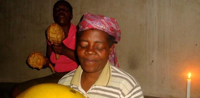 AMBUYA TEMBO & Moyo Mbira Band